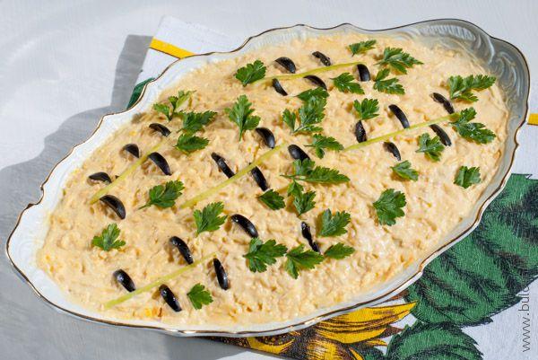 Салат «Берёзка» с курицей и сыром готов!