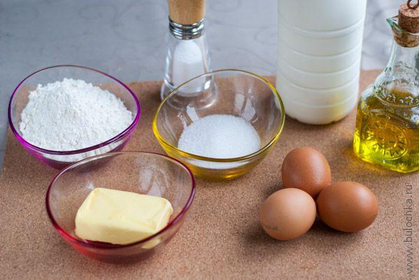 Ингредиенты для тонких блинов на молоке