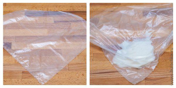Наполняем пакет глазурью, делаем надрез для нанесения