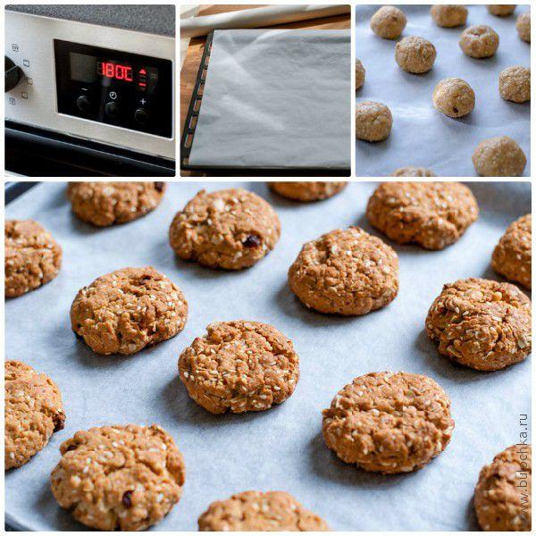 Разогреваем духовку, подготавливаем противень, формируем печенье, отправляем в духовку на 25 минут