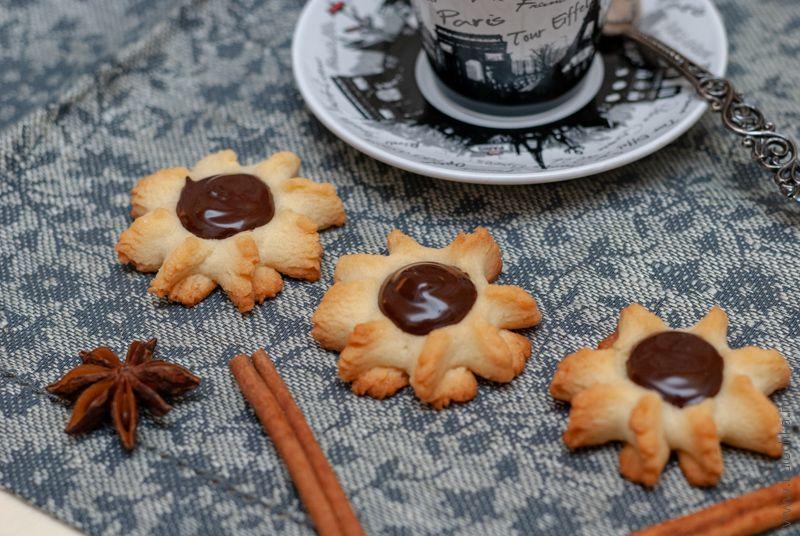 Печенье курабье — вариант сервировки