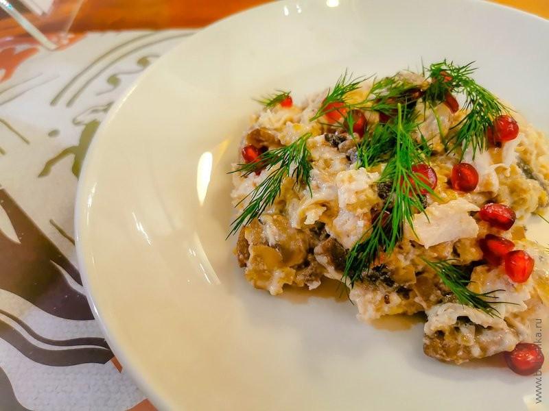 Отзыв о ресторане Джонджоли — салат с курицей и шампиньонами
