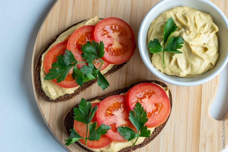 Бутерброды с пюре из авокадо