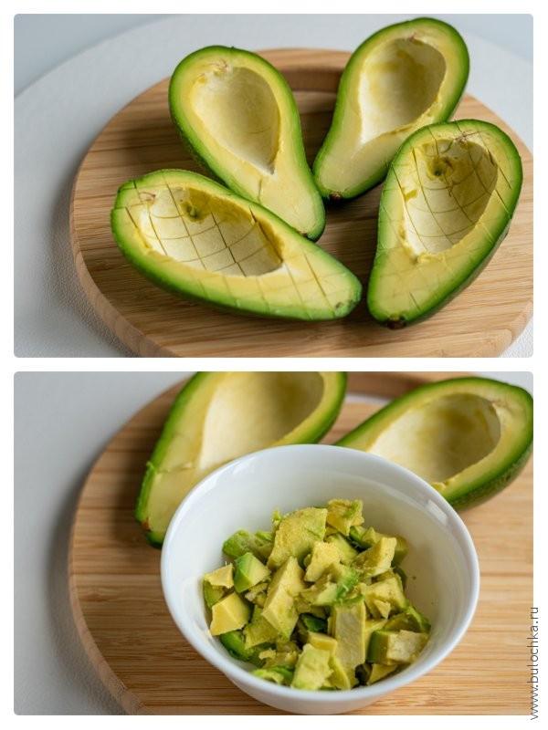 Чистим авокадо для пюре