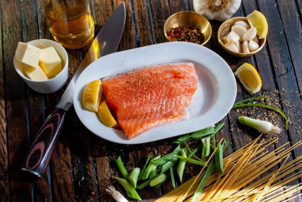 Как посолить красную рыбу (сёмгу, форель, горбушу и т. д.)