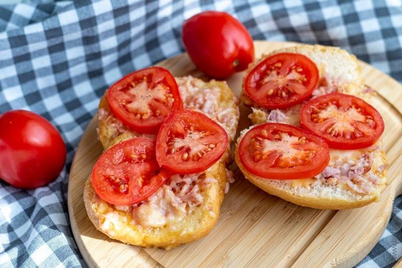Горячие бутерброды с ветчиной и сыром — рецепт с фото
